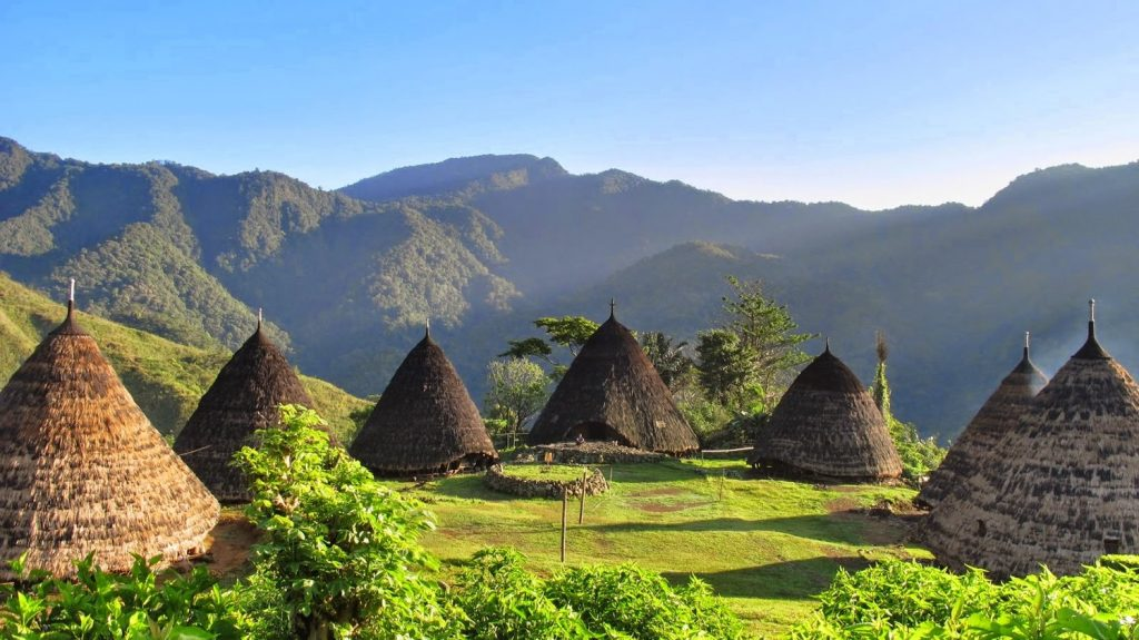 5 Unordinary Things to Do In Flores Island Tour
