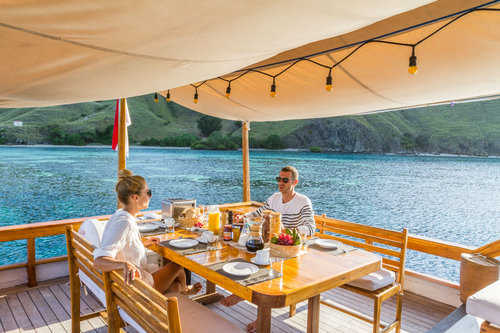 The Best Komodo Boat to Travel for Honeymoon Couple