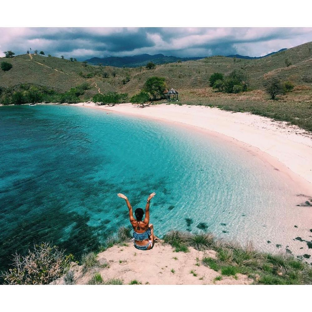 Have Beach Camp Galore on Komodo Trip!