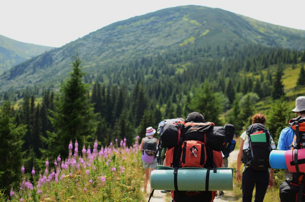 Essentials You Should Not Forget for Family Hiking