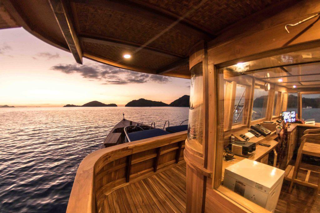 Magia 2 yacht | Hello Flores