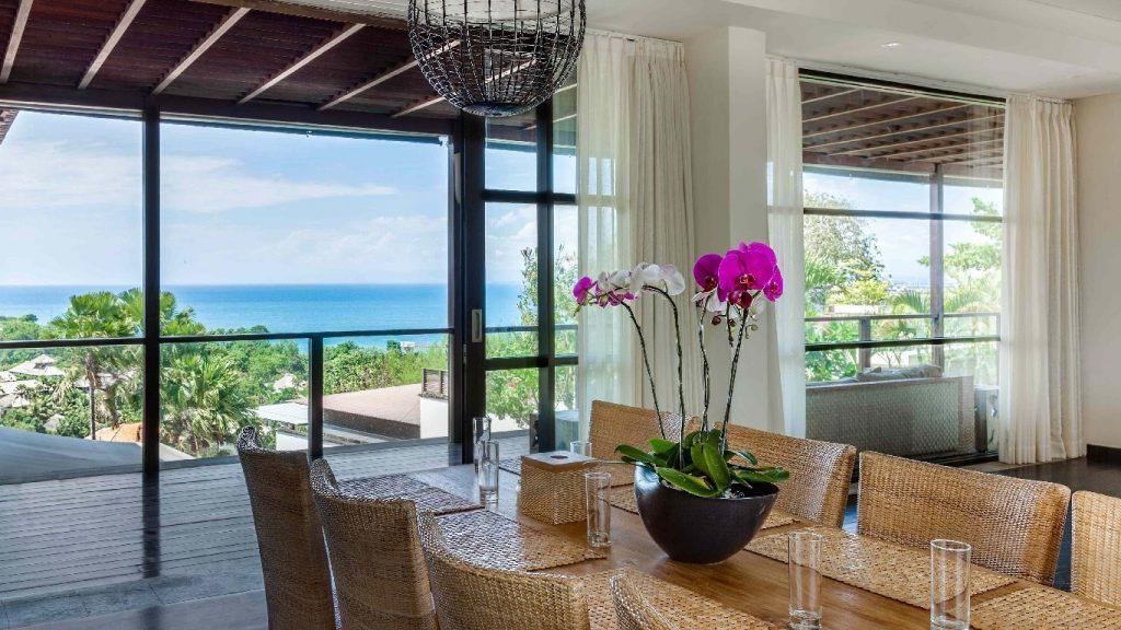 Luxurious Seclusion in 6 Bedroom Villa Jimbaran