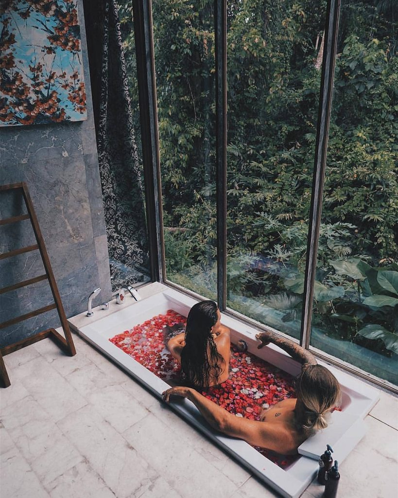Finding Holiday Villas in Bali for Couples (and Honeymooners)